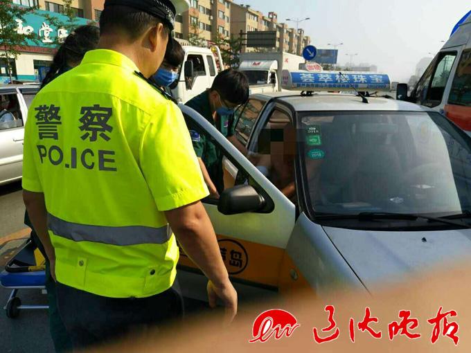 辽沈晚报 分享至: 分享  7月11日清晨,葫芦岛市交警巡防一大队二台子